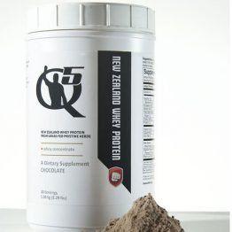 Q5 Combat - Amass Whey Premium Protein - Chocolate